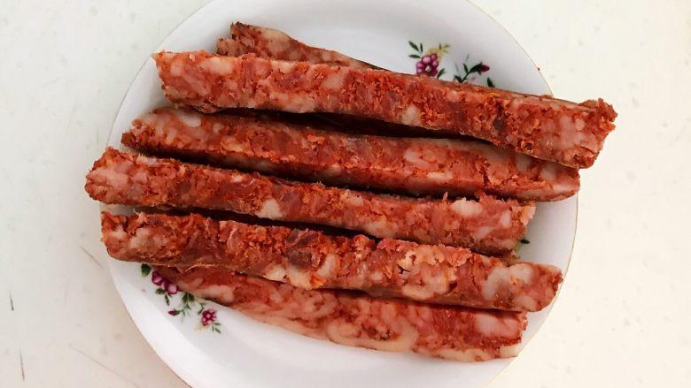 上班族的便当   风味独特的粢饭团,把腊肠切成长条