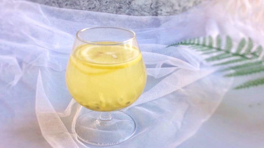 百香果蜜与百香果柠檬茶