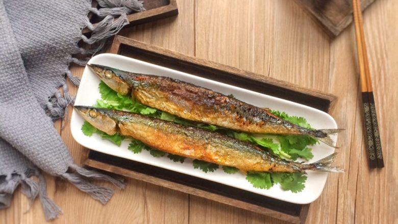 香煎秋刀鱼,成品图。