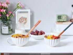 番茄主题 | 金针菇肥牛番茄锅+紫薯葡萄牛奶