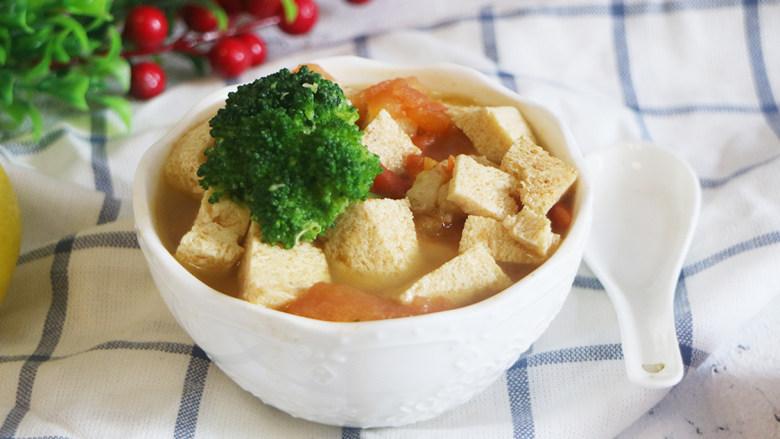 鲜美爽滑的龙利鱼番茄豆腐汤