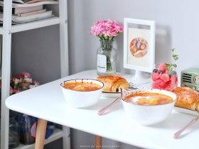 番茄主题 | 好喝的番茄土豆汤+面包+水果杯
