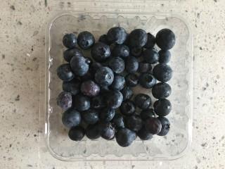 蓝色之恋 夏日饮品,水果洗净