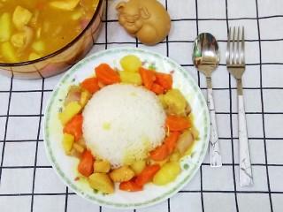咖喱鸡肉炖土豆