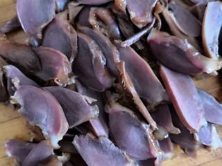 香卤鸭胗,出锅切片