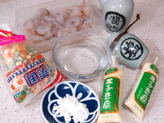 快手正餐 【虾仁玉子豆腐】,准备好所需要用到的食材