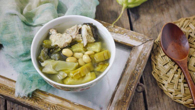 快手正餐  苦瓜黄豆酸菜龙骨汤