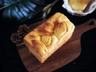 椰蓉面包,预热170度