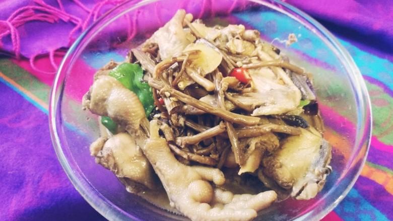 茶树菇闷烧鸡块