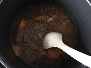 红薯绿豆汤,煮好后搅拌均匀