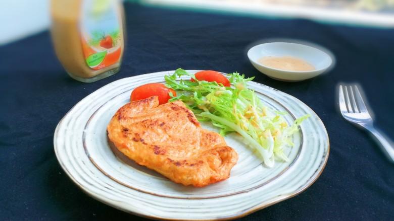 法式沙拉酱锅煎香甜鸡脯肉