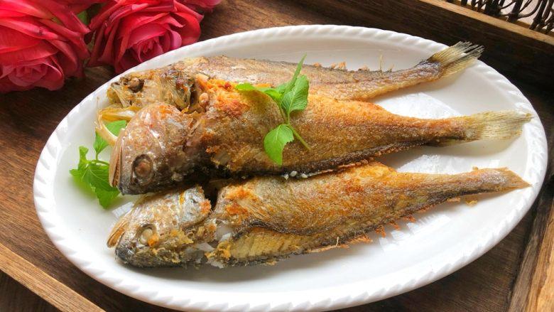 煎小黄鱼,摆盘开吃