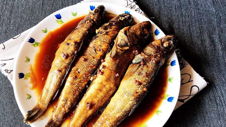 #年年有鱼#  红烧海黄鱼,红烧海黄鱼刺少肉多,营养丰富,非常适合宝宝和老人食用~
