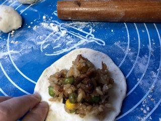 丑丑的大肚皮全麦皮香菇糯米烧卖,加入一大勺糯米馅,放心大胆的加!