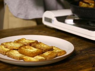 豆腐的另一种吃法,全部夹出放盘里