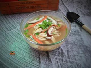香菇鸡丝豆腐汤
