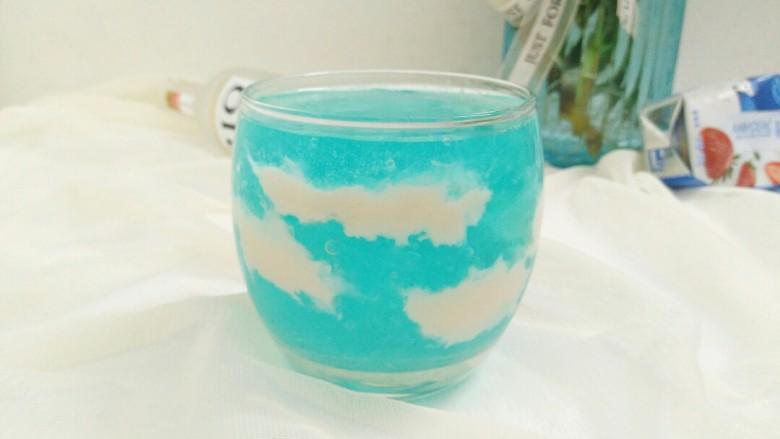 醉美夏天 ,让我们干了这杯蓝天白云鸡尾酒