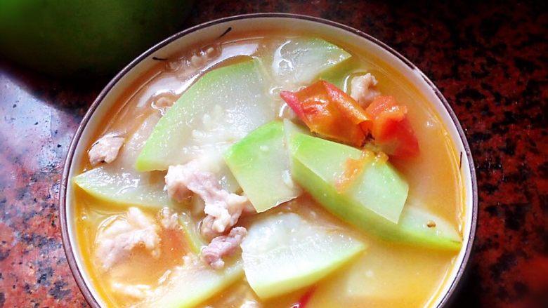 葫芦瓜番茄肉片汤