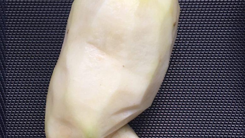 凉拌土豆丝,土豆去皮