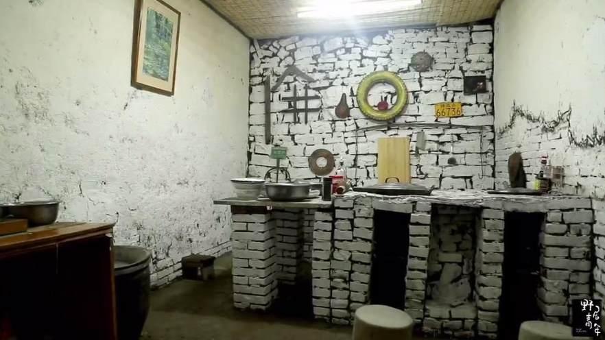 《野居青年》在深山老林自己動手建一個廚房是怎樣的體驗