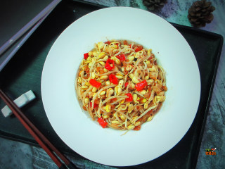 香辣干煸黄豆芽,这道简单,方便,下饭菜就这样搞定,很简单
