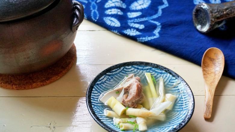 超级鲜的猪大骨扁尖汤