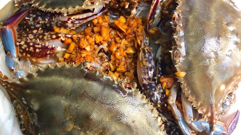 蒜蓉粉丝蒸蟹,盖上蟹壳