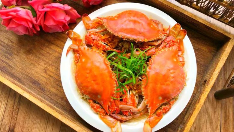 蒜蓉粉丝蒸蟹,成品图一