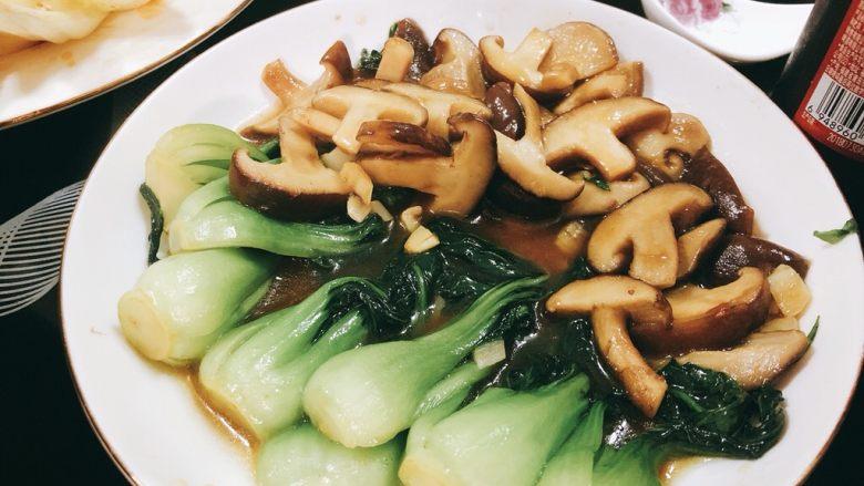 上海青炒香菇