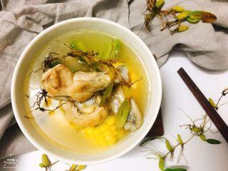 石橄榄鸡汤 润喉清肺的小滋补,冬日里加入一点胡椒粉,暖身!