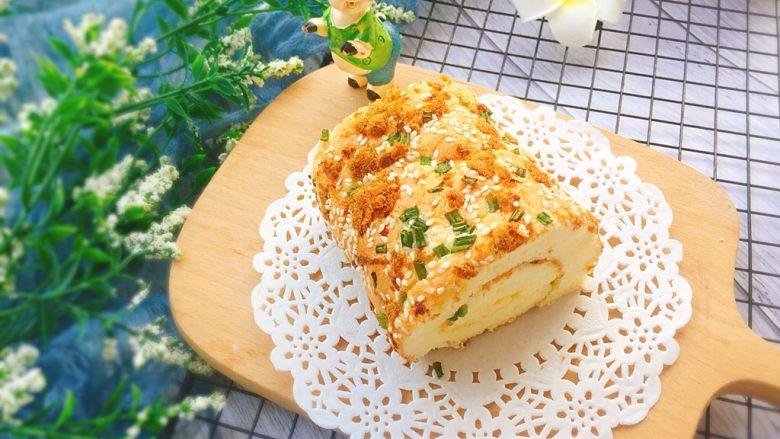 香葱芝麻肉松蛋糕卷,成品图