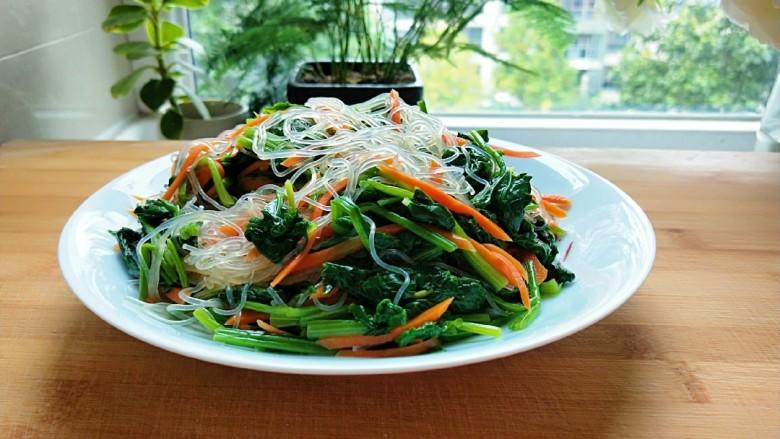 新文美食  菠菜凉拌粉丝,成品图