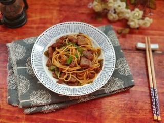 黑椒牛肉意大利面,炒好的意大利面