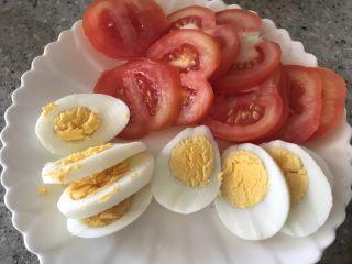 南瓜小汉堡,鸡蛋番茄切片