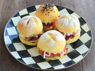 南瓜小汉堡,早餐也能快速做好哦。
