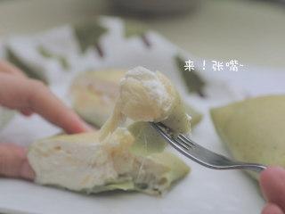 榴莲的3+2种有爱做法「厨娘物语」,软糯榴莲班戟就做好啦,开吃吧~