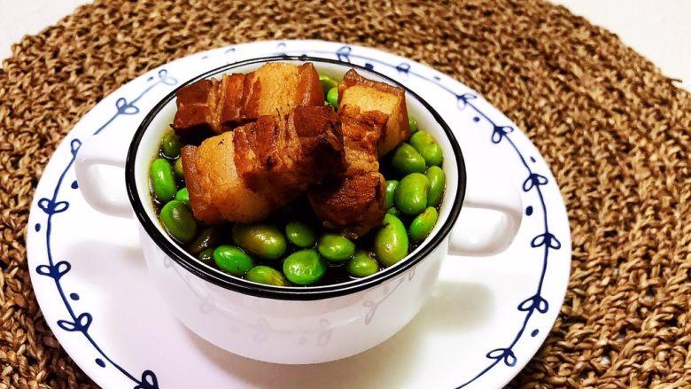香辣毛豆,香辣毛豆,香辣适宜,开胃又解馋,鲜香软糯的五花肉,一点都不油腻,毛豆吸足了汤汁的味道,非常美味~