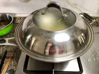 豆豆知我心➕黄豆芽烧豆腐,煮开后转小火炖煮六七分钟