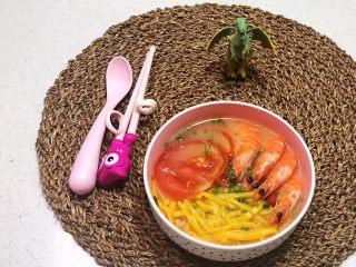 宝宝健康食谱   鲜虾番茄南瓜面,鲜香适宜的鲜虾番茄南瓜面出锅了~