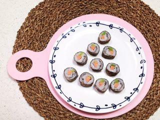 宝宝健康食谱  迷你小寿司,迷你小寿司软糯鲜香,莴笋脆爽,宝宝一口一个,一个都没剩~