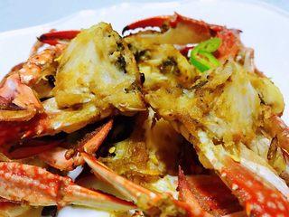 香辣吮指飞蟹,飞蟹肉质细嫩鲜美有种好吃到停不下来的感觉