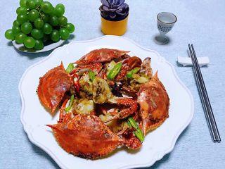 香辣吮指飞蟹,美味香辣蟹绝对是宴客必备的拿手大菜噢