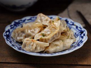 猪肉芹菜煎饺