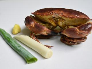 姜葱面包蟹,材料准备好