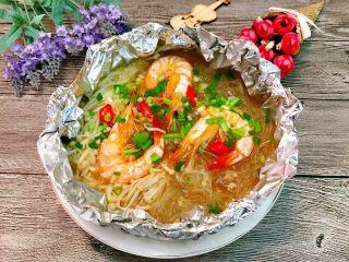 锡纸金针菇粉丝虾煲,成品。