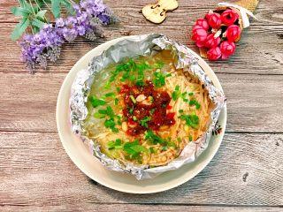 锡纸金针菇粉丝虾煲,再来个放牛肉酱的,超级好吃哦。