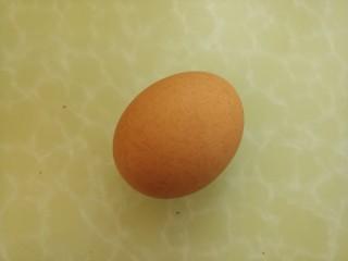 宝宝食谱~酸甜洋葱煎蛋,再准备一个鸡蛋