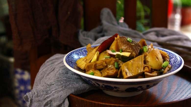 十味  小土豆笋干炖肉