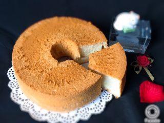 麦芽糖风味蛋糕,切开就可以品尝了,麦芽风味独特。