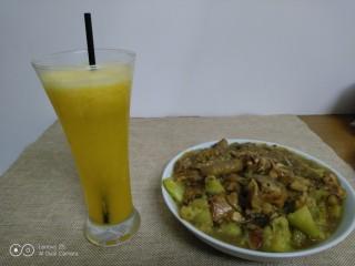 爱媛果冻橙+鸡肉炖茄子,侧面来一张。